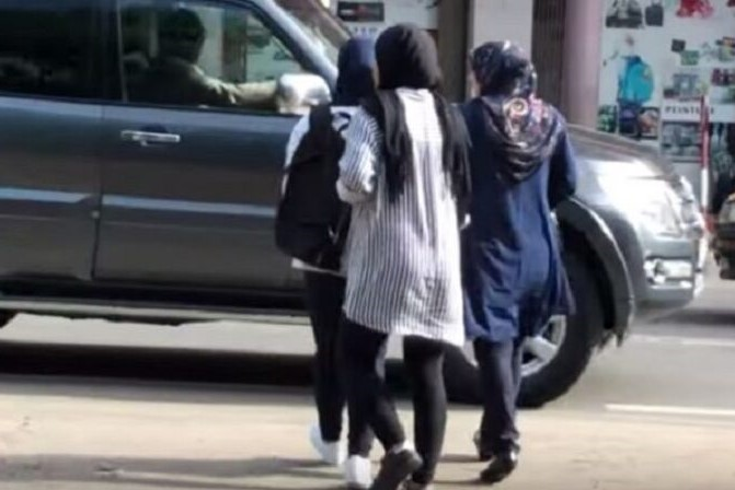 Senegal, islamofobia, velo islámico